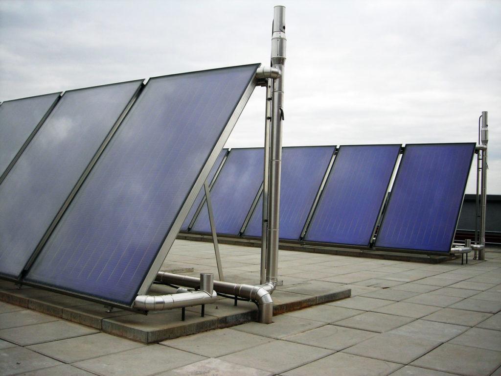 Instalación solar térmica en una comunidad de vecinos - Termicalia - Especialistas en mantenimientos de instalaciones de energía solar, térmicas y fotovoltaicas en la Comunidad de Madrid - 054